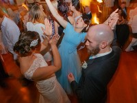 43-Fun-on-the-dancefloor---Heritage-Room-(image-courtesy-of-Glass-Slipper-Photography)
