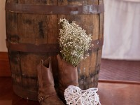 49-Rum-Barrel-Cake-Table-(image-courtesy-of-Rule-of-Thirds-Photography)